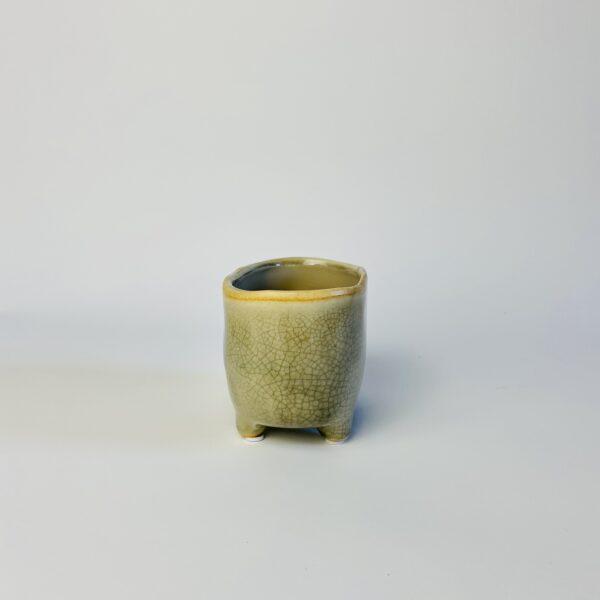 Brązowa osłonka na nóżkach wanienka