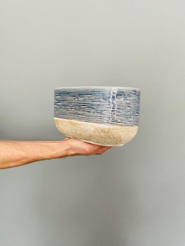 Niebiesko-beżowa, ceramiczna osłonka