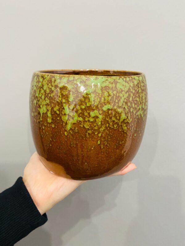 Brązowo-zielona osłonka w stylu retro