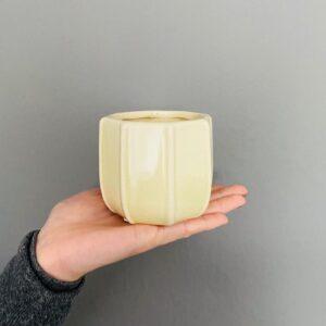 Jasno-zielona osłonka ceramiczna